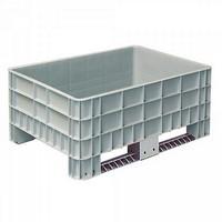 Palettenbox mit Außenrippen und 2 Kufen, Material PE-HD, Außenmaße LxBxH 1200 x 800 x 520 mm, grau
